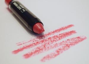 Hema Easy Shine Lip Balm 1