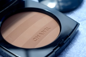 Chanel Les Beiges Healthy Glow Sheer Powder 3