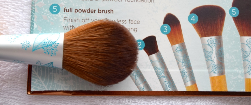 Eco Tools Festive and Flawless brushes 7